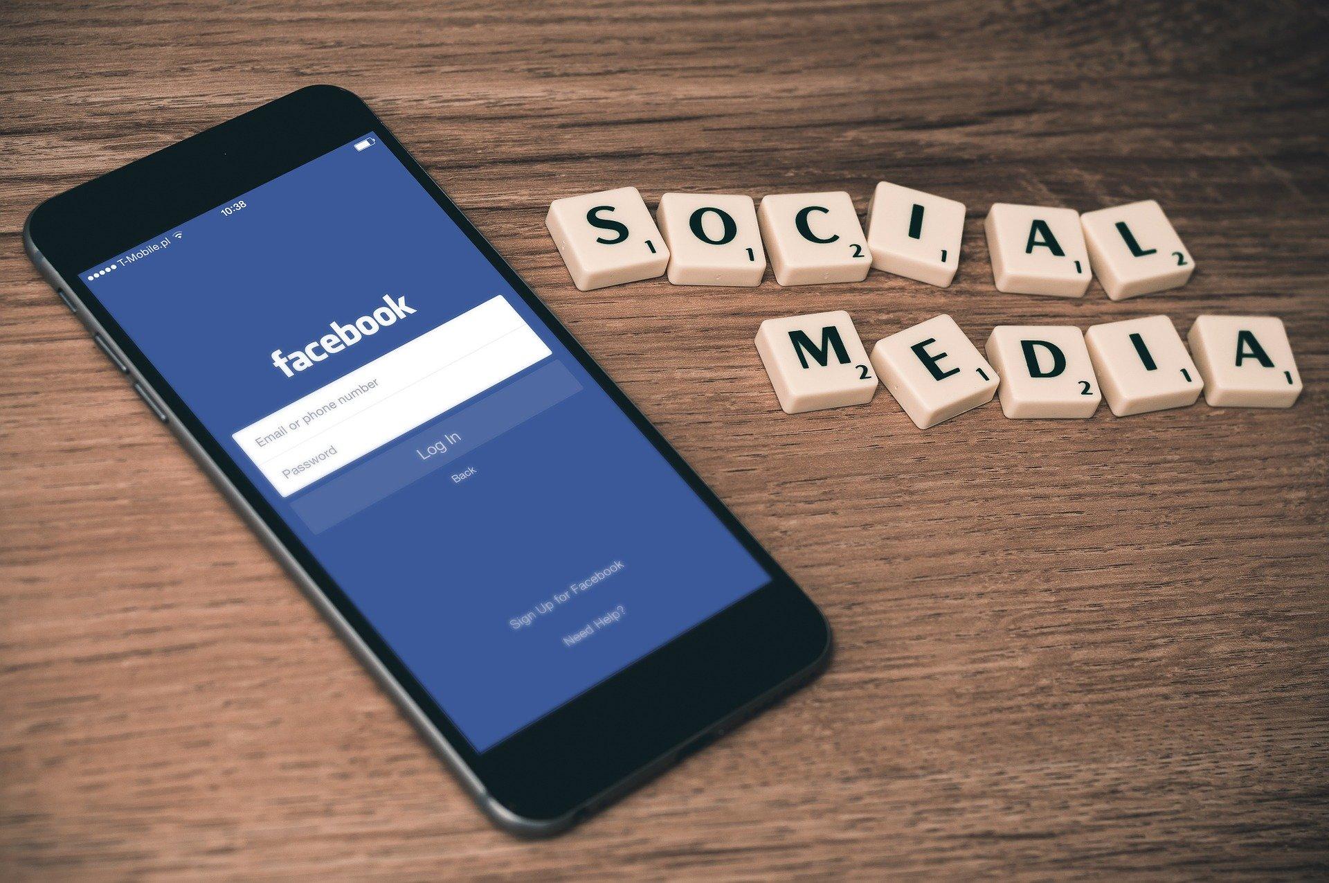E-Center Angerbogen auf Social Media
